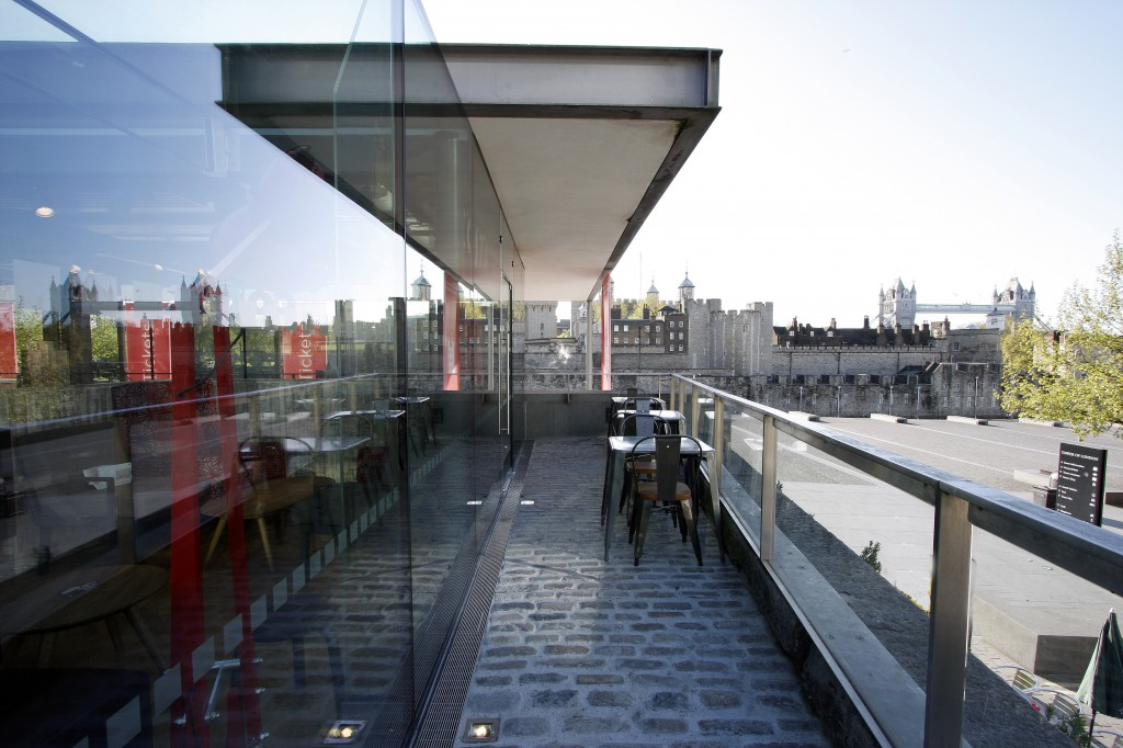 Structural glass box extension to a listed building near the Tower of London