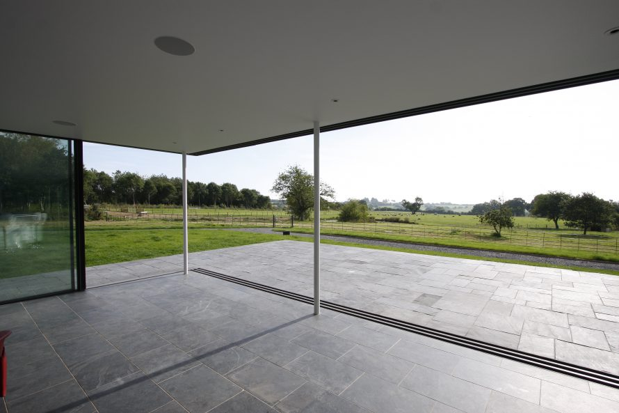 Why Frameless Sliding Glass Doors Iq Glass News