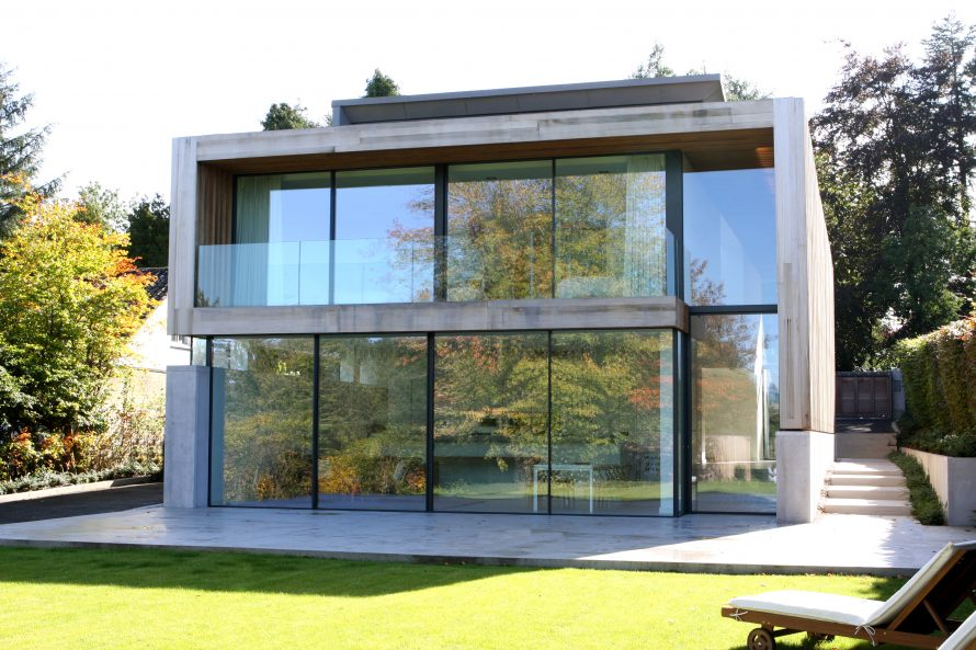 Floor to ceiling toughened glass
