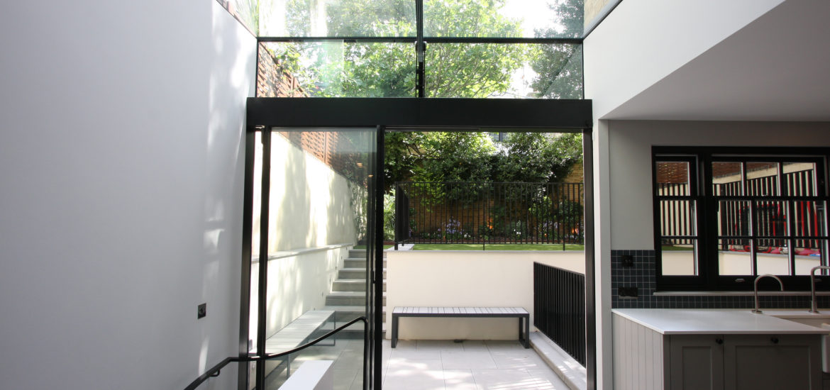 Side Infill Extension with Glass to Glass Connection - IQ Glass