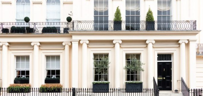 Traditional London kensington appartments blue entrance doors