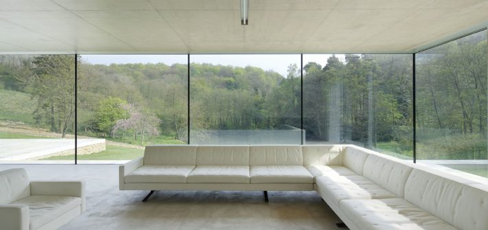 Frameless structural glass walls