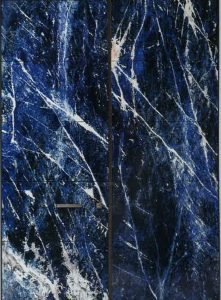 Apertio entrance door with blue marble finish
