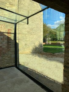 Structural glass floating beam