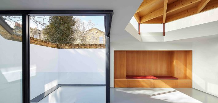 Central London home design with slim sliding doors