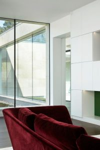Structural glass walls and floating windows